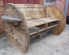 Beautiful complete outdoor set from pallets. Here are the comments of Paul, who submitted this post : My 1st Three Pallet Benches, finished and delivered!