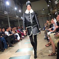 #azzedinealaia • Фото и видео на Instagram Aviator Jackets, Couture Week, Alaia, Ballet Skirt, Instagram Posts, Green, Skirts, Dresses, Fashion