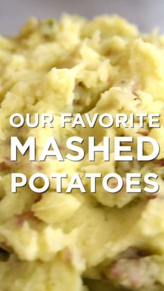 This is our favorite homemade mashed potatoes recipe (skin-on or peeled). Learn which potatoes to use and how to cook them so that they are creamy and delicious. Jump to the Homemade Mashed Potatoes Recipe or watch our quick video below to Homemade Mashed Potatoes Recipe, Perfect Mashed Potatoes, Making Mashed Potatoes, Best Mashed Potatoes Ever, Garlic Mashed Potatoes, How To Mash Potatoes, Cream Potatoes Recipe, Instapot Mashed Potatoes, Yukon Gold Mashed Potatoes