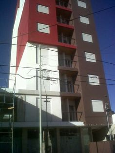 Ubicación: San Juan 200 (5800) Río Cuarto. con ascensor. Ubicación contra frente. 1 Dormitorio con placar. Cocina comedor.…