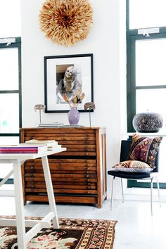 just amazing - bohemian, cool, chic. I want a flat file like this.