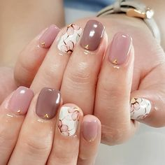 Neutral nude pink manicure