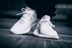 "ac54fb8e94e13 Newst Originals Adidas Yeezy Boost 350 V2 ""Triple White"" Kanye Shoes Code   CP9366"
