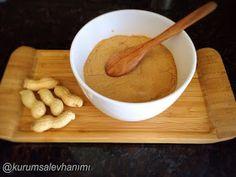 Malzemeler:   1,5 su bardağı çiğ yer fıstığı   1 yk bal   1 yk Hindistan cevizi yağı (zeytinyağı veya tereyağı da olur)     Malzemelerin...