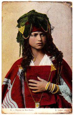 Femme de Bou-Saada # Algérie