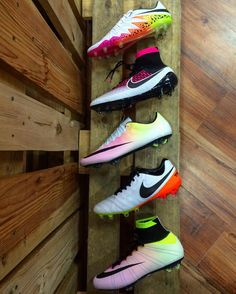 Want To Know More About Football? Do you wish to improve your football skills? Girls Soccer Cleats, Nike Cleats, Soccer Gear, Soccer Equipment, Nike Soccer, Football Cleats, Soccer Stuff, Football Players, Nike Football Boots