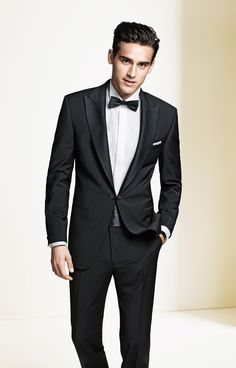 men tuxedos for weddings with bowtie | TIPS FOR CHOOSING WEDDING TUXEDOS