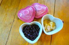 バレンタイン間近♡ BFや片思いの彼に、愛情たっぷりのお菓子をプレゼントしたいもの……♡ そんなあなたに速報! VGRAMMERきってのクッキング マスター、エリナがレクチャーする簡単クッキング! さあ、メモの準備はOK?