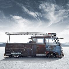 This #slammed #rusty #VW #DoubleCab #truck with #roofrack looks amazing. #patina #volkswagen #vwbus #vwlove #clouds