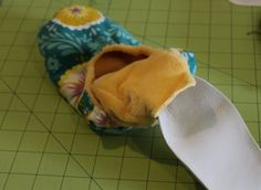How to Make Fabric Slippers with Free Pattern   Pretty Prudent. Read this before you sew!!