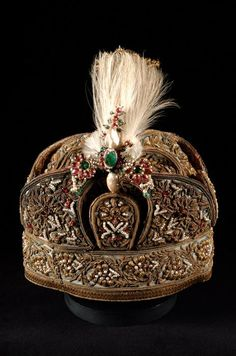 This state cap is reputed to have belonged to the last Muslim King of Delhi, Bahadur Shah Zafar II (1775-1862) who was a descendent of the Mughal Dynasty. King Zafar succeeded to the throne of Delhi in 1837 but was imprisoned in 1858 by the British after the 1857 revolution. India
