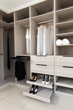 Walk In Closet Organization Diy Shoes Wardrobes 47 Trendy Ideas Walk In Robe Designs, Walk In Wardrobe Design, Bedroom Closet Design, Diy Wardrobe, Master Bedroom Closet, Bedroom Wardrobe, Closet Designs, Shoe Storage Wardrobe, Capsule Wardrobe