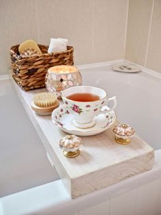 DIY Bath Caddy | The