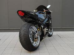 SUZUKI GSXR1000 Custom Motorcycles, Custom Bikes, Kawasaki Zx9r, Suzuki Motorcycle, Gsxr 600, Suzuki Gsx, Super Bikes, Street Bikes, Street Fighter