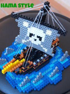 ¡Ya estoy aquí de nuevo!  Y os traigo un barco pirata chulísimo que me ha encantado hacer. Está hecho en MIDI, y se necesitan todas las piez...