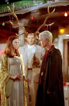 "Buffy the Vampire Slayer ""Fool for Love"" S5EP7 Juliet Laudau as Dru and Spike as James Marsters"