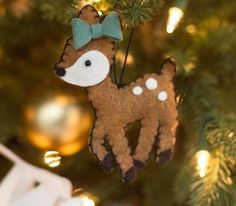 Reno, Christmas Ornaments, Holiday Decor, Twitter, Step By Step, Toss Pillows, Felting, Creativity, Xmas