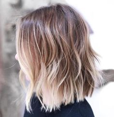 Choppy bob with blonde balayage thin hair haircuts, cool haircuts, layered bobs, blonde Haircuts For Fine Hair, Medium Bob Hairstyles, Layered Haircuts, Cool Haircuts, Hairstyles Haircuts, Cool Hairstyles, Haircuts For Long Hair Straight, Stacked Hairstyles, Blonde Hairstyles