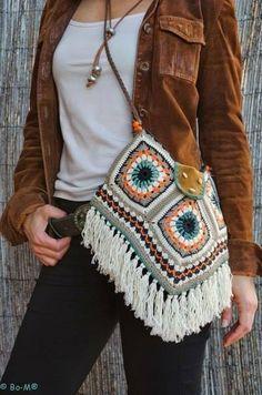 Transcendent Crochet a Solid Granny Square Ideas. Inconceivable Crochet a Solid Granny Square Ideas. Bag Crochet, Mode Crochet, Crochet Shell Stitch, Crochet Diy, Crochet Handbags, Crochet Purses, Crochet Granny, Crochet Crafts, Crochet Clothes