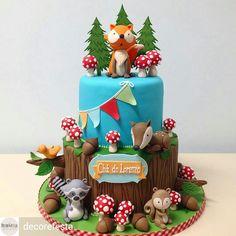 ❤️Apaixonada pelo nosso bolo para o Cha do Lorenzo! Cupcakes, Cupcake Cakes, Fox Cake, Woodland Cake, Friends Cake, Fondant Animals, Animal Cakes, Forest Cake, Sugar Craft