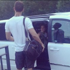 Shailene Woodley Theo James leaving the #Insurgent set yesterday (via TrisAndFourSite) and u can see the TATTOO!!!!!!