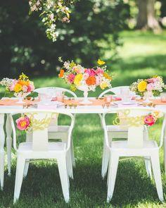 Love In Bloom Minnesota Wedding Inspiration - MODwedding