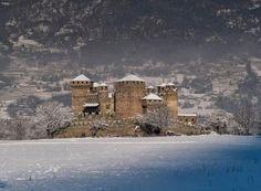 Risultati immagini per castello di fenis inverno