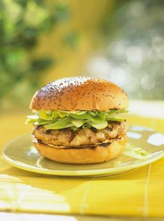 Apple and Cheddar Burgers- Recipe Ricardo de Hamburgers with.- Apple and Cheddar Burgers- Recipe Ricardo de Hamburgers with apples and cheddar cheese. Prepared very quickly, these unique hamburger make a wonderful summer time meal. Vegetarian Grilling, Healthy Grilling Recipes, Hamburger Recipes, Meat Recipes, Dinner Recipes, Barbeque Side Dishes, Barbecue Burgers, Bbq, French Nails