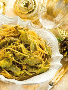 Spaghetti alla carbonara with artichokes - Cucinare un piatto con tutto il gusto della carbonara e in più dei buoni ortaggi di stagione è possibile con gli Spaghetti alla carbonara di carciofi! #spaghetticarbonaracarciofi