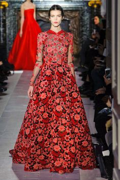 Valentino Spring 2013 Couture Runway - Valentino Haute Couture Collection - ELLE