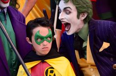 Characters: Robin & Joker / From: DC Comics 'Batman' / Cosplayers: Unknown as Robin & Anthony Misiano (aka Harley's Joker) as Joker Dc Cosplay, Joker Cosplay, Best Cosplay, Awesome Cosplay, Cosplay Ideas, Robin Cosplay, Cool Costumes, Cosplay Costumes, Creative Costumes