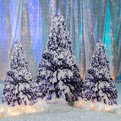 Use these Winter Tree Standees to accent the entrance to your big holiday event! Standees include cardboard and iridescent snow. Winter Wonderland Decorations, Winter Wonderland Theme, Snow Theme, Quinceanera Themes, Snow Covered Trees, Winter Trees, Snowy Trees, Winter Art, Baby Shower Winter