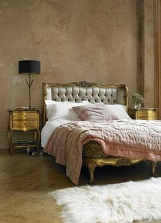 Fabulous Chambre Francaise! Gorgeous French Rococo Style Bed.Thefrenchinspiredroom.com