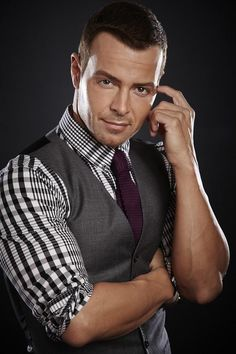 pattern and tie on the ever awesome Joey Lawrence!