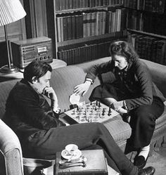 Gala and Salvador Dali playing chess by Eric Schaal, 1941