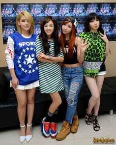 2NE1 ~ CL, Dara, Minzy, and Bom