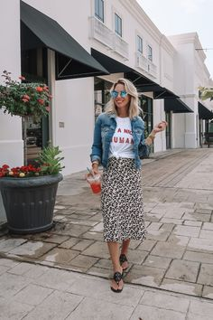 Leopard Skirt - Work, Weekend, Wow Today, I'm sharing a new Work Summer Work Outfits, Casual Work Outfits, Mode Outfits, Casual Clothes, Casual Dresses, Casual Art, Hijab Casual, Casual Office, Office Attire