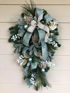 30 Christmas Door Swags Ideas In 2020 Christmas Door Christmas Wreaths Christmas
