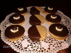 Jegecske Eta módra Cookies, Christmas, Hungarian Food, Sweets, Search, Crack Crackers, Xmas, Hungarian Cuisine, Biscuits