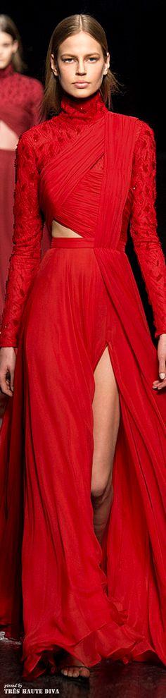 Prabal Gurung - red couture - Fall 2014 vogue.de es.pinterest.com/classychic75/i-love-red/
