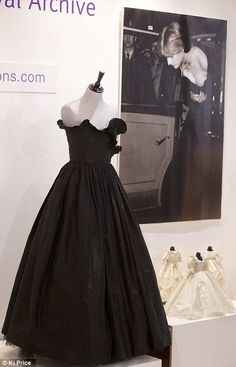 Diana's 'engagement dress' sells for - Engagement Diana, Black Bridal Dresses, Formal Dresses, Engagement Dresses, Taffeta Dress, Plunging Neckline, Black Tie, Ball Gowns, Fashion