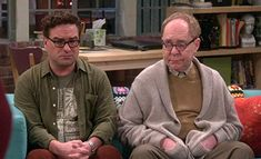 Johnny Galecki and Teller in The Big Bang Theory Johnny Galecki, Comedy Series, Big Bang Theory, Bigbang, Bangs, Tv Shows, Bomber Jacket, Style, Fringes