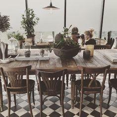 Work/Create/Inspire passar bra in på dagen! I dag är Petra Björstad här och… Table Settings, Dining Table, Rustic, Petra, Instagram Posts, House, Gray, Furniture, Studio