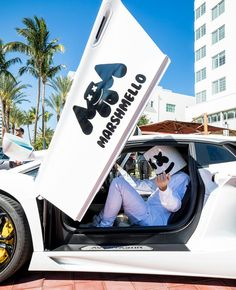 Love The Marshmello Logo on Lamborghini ❤️ Gaming Wallpapers, Cute Cartoon Wallpapers, Marshmallow Pictures, Marshmallow Edm, Marshmello Dj, Marshmello Wallpapers, Electro Music, Recording Studio Home, Alan Walker