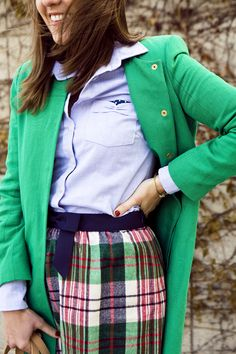 Preppy stripes and sequins Preppy Wardrobe, Classic Wardrobe, Sequins And Stripes, Estilo Preppy, Layered Fashion, England Fashion, How To Look Classy, Womens Fashion For Work, Preppy Style
