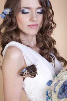 Фотосессии с бабочками | Свадебные фото Batterfly - живые бабочки в подарок на Невеста.info