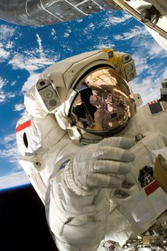 ON THIS DAY: Astronaut Piers Sellers walks in space, July 12, 2006. (NASA)
