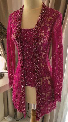Formal Dress Patterns, Vintage Dress Patterns, Dress Sewing Patterns, Gala Dresses, Party Wear Dresses, Nice Dresses, Kebaya Hijab, Kebaya Dress, Model Kebaya Modern