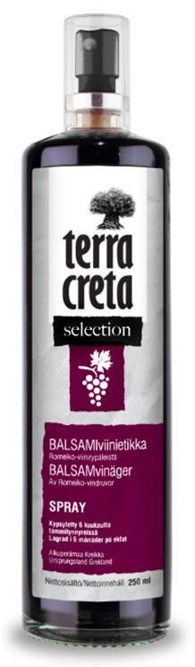 Terra Cretan Balsamiviinietikka Spray 250ml.  Valmistettu perinteisestä kreetalaisesta punaisesta romeiko-lajikkeesta  Kuuden kuukauden kypsytys tammitynnyreissä tuo makuun syvyyttä ja voimakkuutta niin, että se sopii erityisesti salaatteihin ja kastikkeisiin.  Täysin luonnollinen tuote ilman lisättyä väriä tai makeutusaineita. Ehdoton pari Luomu extra-neitsytoliiviöljy sprayn kanssa.