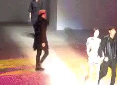 """Oh Sehun being smooth during """"Growl"""" + catwalk @ 2014 Seoul Fashion Week opening ceremony"""